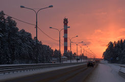 De winterweg in de voorsteden Royalty-vrije Stock Foto