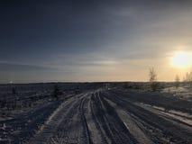 De winterweg in het noordpoolgebied Royalty-vrije Stock Afbeelding