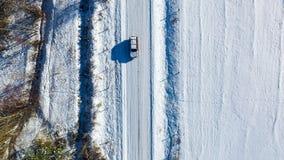 De winterweg in Montana stock afbeelding