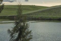De winterzonsondergang in Bethany Reservoir royalty-vrije stock foto's