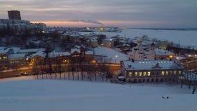 De winterzonsondergang in Nizhny Novgorod Rusland stock video