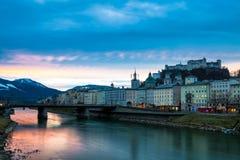 De winterzonsopgang in Salzburg, Oostenrijk Stock Afbeelding