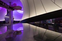 De wiskundegalerij bij het Wetenschapsmuseum, Londen, het UK, ontwierp door Zaha Hadid Installatie door wiskundige modellen wordt royalty-vrije stock fotografie