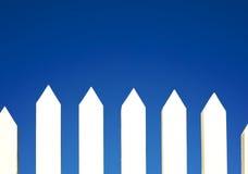De witte Achtergrond van de Omheining van het Piket Royalty-vrije Stock Afbeeldingen