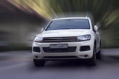 De witte auto van Volkswagen royalty-vrije stock foto's