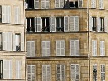 De witte blinden van Parijs stock afbeelding