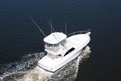 De witte Boot van de Luxe in het Overzees Stock Afbeeldingen