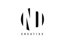 De Witte Brief Logo Design van Nd N D met Cirkelachtergrond Stock Foto