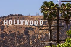 De witte brieven van het Hollywoodteken stock afbeeldingen