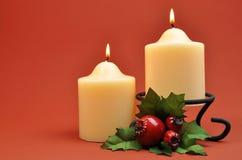 De witte Decoratie van Kerstmis van Kaarsen Stock Afbeelding