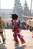 De witte, groene en rode vodden vormen zijn Kuker-kostuum royalty-vrije stock foto's