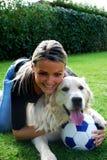 De witte hond van het voetbal Royalty-vrije Stock Afbeeldingen