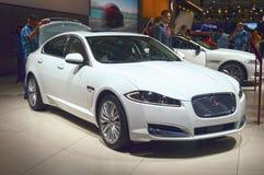 De witte Internationale Automobiele Salon van Jaguar Moskou Stock Afbeeldingen