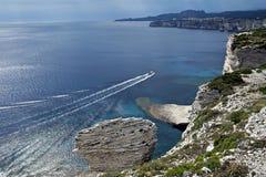 De witte klippen van Bonifacio in Corsica Stock Foto