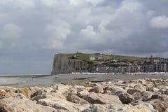 De witte klippenkust in le treport, Normandië, Frankrijk stock afbeeldingen