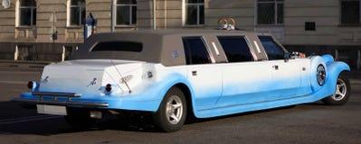 de witte limousine van het Huwelijk royalty-vrije stock afbeelding