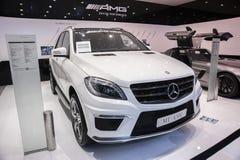 De witte Mercedes-Benz auto van ml amg Stock Foto's