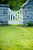 De witte Poort van de Tuin stock fotografie
