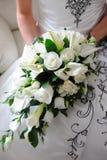 De witte rozen van bruiden. stock foto