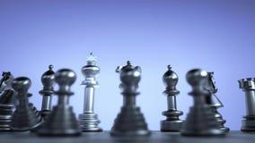 De witte schaakkoning in het achtergedeelte van de vijand breekt zwarte panden vector illustratie