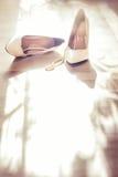 De witte schoenen van het huwelijk Royalty-vrije Stock Foto's