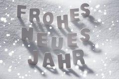 De witte Sneeuw van het de Middelen Gelukkige Nieuwjaar van Kerstmisneues Jahr, Sneeuwvlokken Stock Foto's