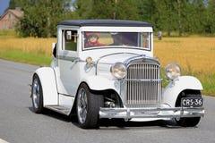 De witte Super Zes 1929 Klassieke Auto van Essex op de Weg Royalty-vrije Stock Afbeeldingen