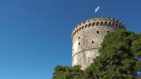 De Witte Toren in Thessaloniki stock videobeelden