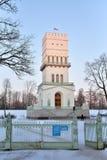 De witte toren van St. Petersburg op de weg in Alexander P Stock Foto's