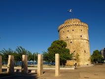 De Witte Toren van Thessaloniki op de kust van het Egeïsche Overzees in Thessaloniki, Griekenland Stock Fotografie