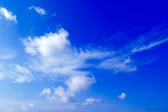 De witte wolken. Stock Foto's