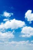 De witte wolken. royalty-vrije stock afbeeldingen