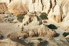 De woestijn van de bijbel op de kust van het Dode Overzees Stock Foto