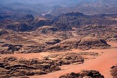De woestijn van de Rum van de wadi stock afbeeldingen