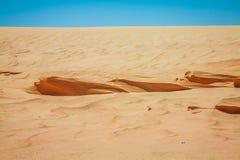 De woestijn van de Sahara dichtbij NGO Jemel in Tozeur, Tunesië stock afbeelding