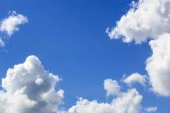 De wolk van Nice in een blauwe hemel Royalty-vrije Stock Afbeelding