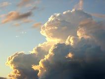 De wolk van Unusial. Gouden licht. Royalty-vrije Stock Afbeeldingen