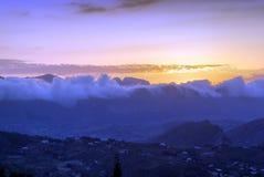 De wolken behandelen de rand royalty-vrije stock foto