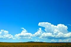 De wolken tonen Royalty-vrije Stock Foto's