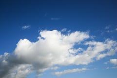 De wolken van de cumulus. royalty-vrije stock afbeelding