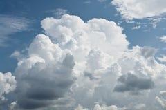 De wolken van de cumulus voor achtergrond Stock Fotografie