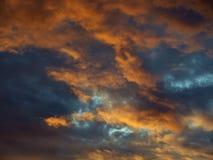 De wolken van de zonsondergang royalty-vrije stock afbeelding