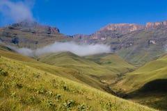 De wolken van Drakensberg Stock Fotografie