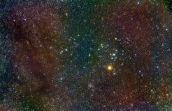 De wolken van het stof in de constellatie van de Stier stock foto's