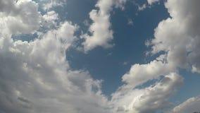 De wolken van de tijdtijdspanne, ochtend, Kroatië, brede hoek stock video