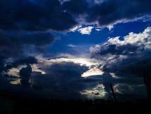 De wolken zijn vrij stock foto