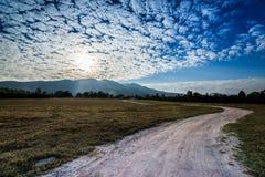 De wolkenhemel van de landschapsmening stock foto