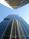 De wolkenkrabberbezinning van het glas Stock Fotografie