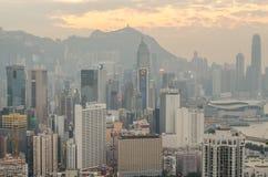 De wolkenkrabbers en andere gebouwen op Hong Kong Island in Hong Kong, China, bekeken van de Braemar-Heuvel Royalty-vrije Stock Fotografie