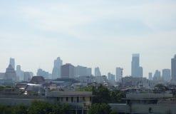 De wolkenkrabbers van achtergrond Bangkok Thailand foto januari 2016 Stock Afbeeldingen